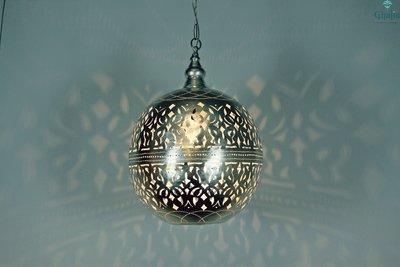 Amira lamp oosterse hanglamp Ghalia aan met licht